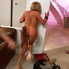 Marseille, punitions et fouet pour femme mature