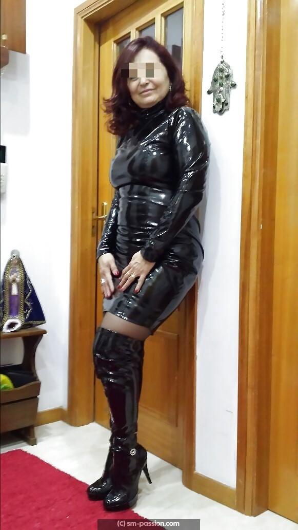 Maitresse Nikita recherche soumis